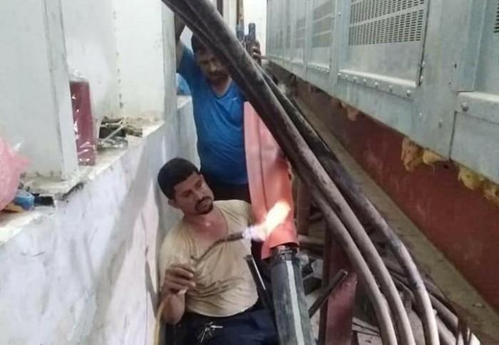 كهرباء العاصمة تواصل أعمال ربط محطة شيناز – حجيف (صور)