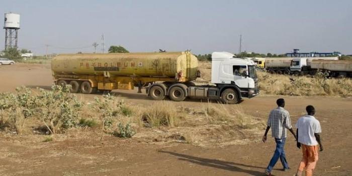 مواطنون يقتحمون حقل بليلة النفطي بالسودان ويحتجزون عماله
