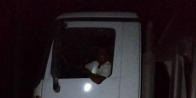 """""""الحزام الأمني"""" يستعيد سيارة النظافة المسروقة في أبين"""