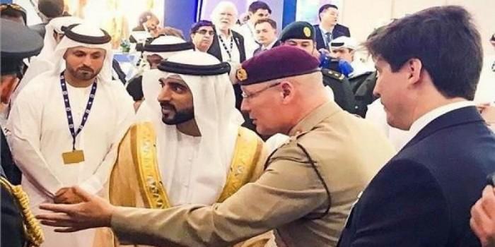 ولي عهد دبي يطلع على آحدث التقنيات بمعرض بلاده للطيران