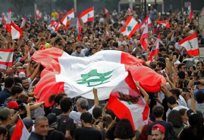 استمرار الاحتجاجات في لبنان دون غلق للطرق الرئيسية