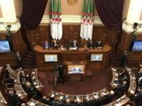 رئيس مجلس الأمة الجزائري يحذر الشعب من أدعياء الديمقراطية