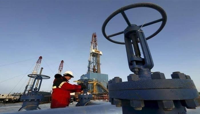 ارتفاع إنتاج النفط الروسي إلى 11.25 مليون برميل يوميًّا