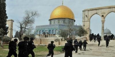 مسؤول إسرائيلي يقتحم المسجد الأقصى وسط حراسة مشددة