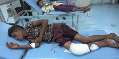 إصابة طفلين برصاص مليشيا الحوثي في حيس (فيديو)