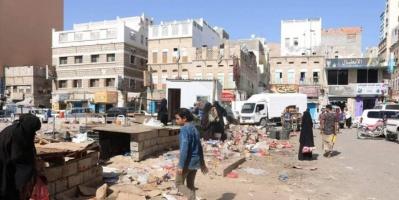 حملة لإعادة الانضباط بشارع جامع الشرج في المكلا (صور)