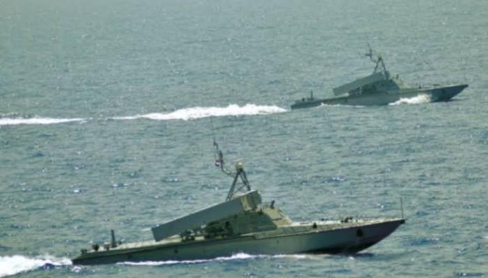 العبث الحوثي بالملاحة البحرية.. إرهابٌ يدفع ثمنه العالم