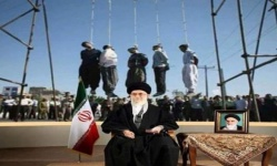 صحيفة خامنئي تطالب بإعدام المتظاهرين وسط استمرار الاعتقالات