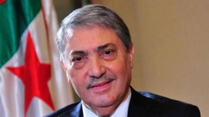 المرشح الرئاسي الجزائري يدعو معارضيه إلى الحوار لحل أزمة البلاد