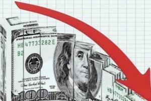 """""""الدولار"""" يتكبد خسائر فادحة جراء ضعف الآمال في التوصل لاتفاق أمريكي صيني"""