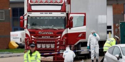 هولندا.. العثور على 25 مهاجرًا داخل شاحنة مبردة