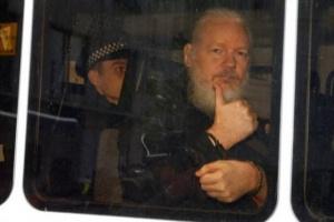 """السويد تغلق ملف التحقيق في قضية اغتصاب مؤسس """"ويكليكس"""""""