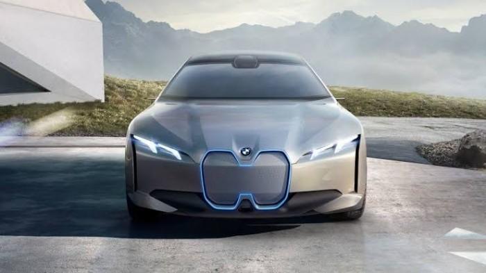 BMW تكشف الستار عن طرازها الكهربائي الجديد