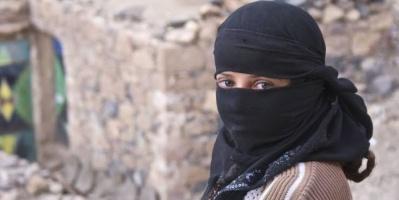"""حرب الحوثي غير الناعمة.. ماذا فعلت المليشيات بـ""""نساء صنعاء""""؟"""