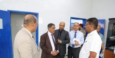 افتتاح مشروعات صحية جديدة بالشحر وغيل باوزير (صور)