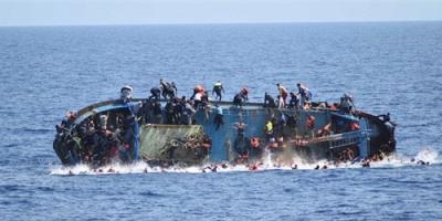طرابلس.. مصرع 67 شخصًا غرقًا إثر انقلاب قارب في البحر المتوسط
