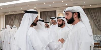 محمد بن زايد يتقبل التعازي في وفاة الشيخ سلطان بن زايد