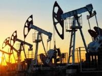 النفط يهبط بفعل تأجيج التوترات بين أمريكا والصين