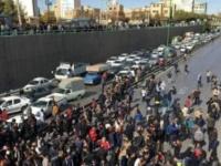 الحكومة الإيرانية تبدأ في إعادة خدمات الإنترنت في عدد من الأقاليم