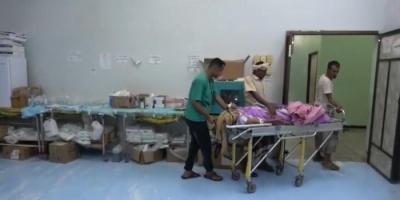 استمراراً للانتهاكات.. رصاص الحوثي يطارد مواطني حيس بمنازلهم (فيديو)