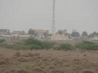 مليشيا الحوثي تمطر المصلين بالهاون والهاوز في التحيتا