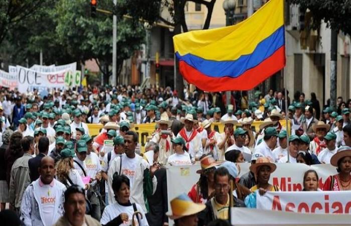 آلاف الكولومبيين يتجمعون مجددًا بالشوارع تنديدًا ضد الحكومة