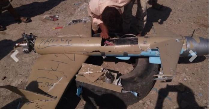 إسقاط درون حوثية استهدفت مستشفى في المخا (صور)