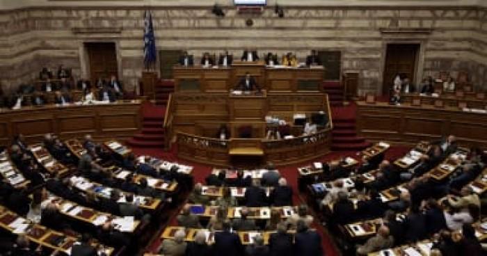 البرلمان اليوناني يرفض تعديل دستوري يهدف إلى فصل سلطة الدولة عن الكنيسة