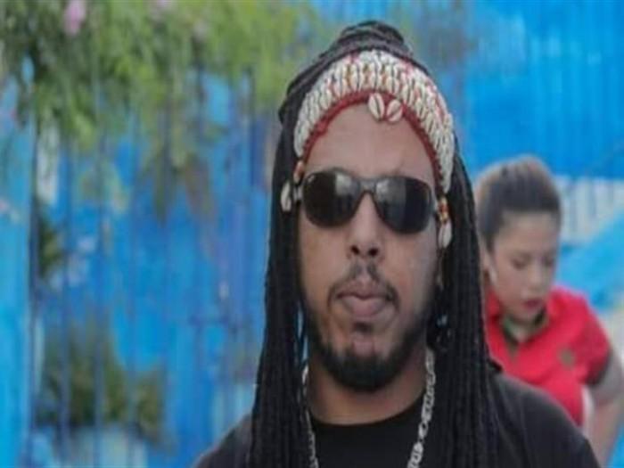 الحكم بالسجن سنة لمطرب مغربي بسبب إهانة الشرطة (تفاصيل)