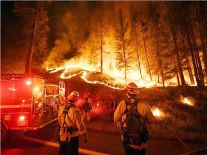 600 رجل إطفاء يباشرون حريقًا جديدًا بكاليفورنيا