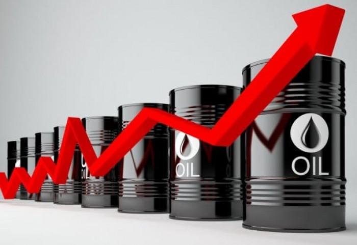 النفط يصعد فوق 64 دولار بفعل تفاؤلات تجاه اتفاق التجارة