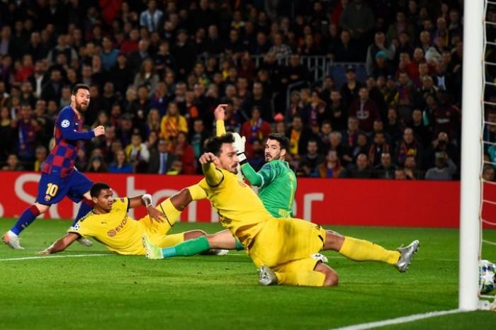 ميسي يقود برشلونة لدور الـ16 بدوري الأبطال بثلاثية في دورتموند
