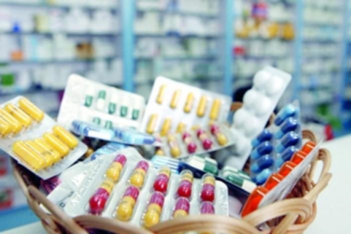 في كارثة صحية.. الحوثي يستورد أدوية غير موثوق بها من إيران والهند