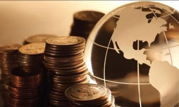 """عقب صعود البورصات العالمية لمستويات قياسية.. """"الصناديق العالمية"""" تحول النقود إلى أسهم"""
