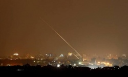 صفارات الإنذار تدوي في مستوطنات غلاف غزة عقب سقوط صاروخ