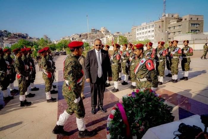 في عيد الاستقلال.. لمسة وفاء من الزُبيدي لشهداء الجنوب (صور)