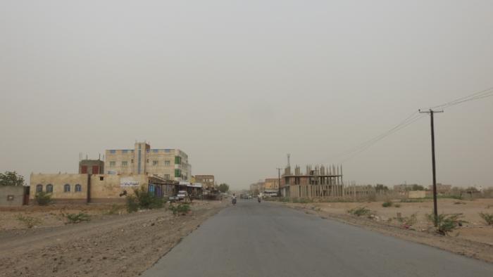 في جريمة جديدة..مليشيات الحوثي تقصف منازل المواطنين في حيس