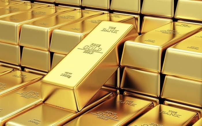 هبوط الذهب بفعل قوة الدولار وبيانات صينية إيجابية