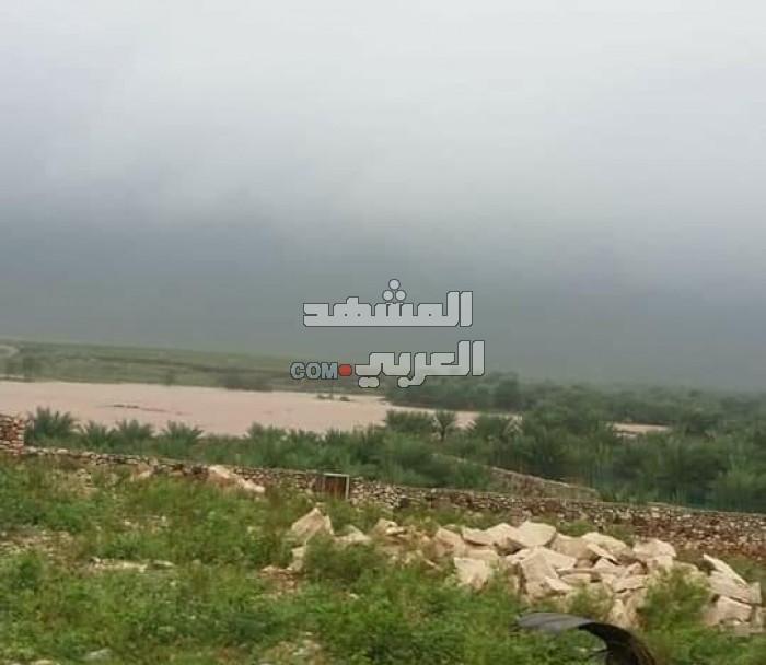 أمطار غزيرة على سقطرى.. احذروا تلك المناطق (صور)