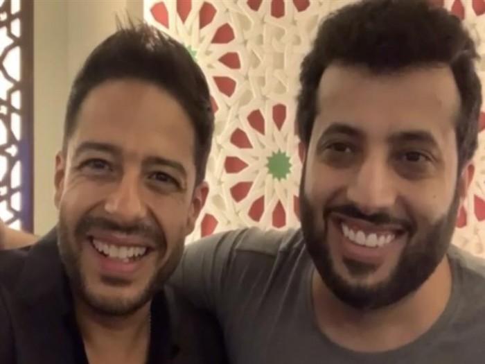 محمد حماقي يطمئن على تركي آل الشيخ بعد أزمته الصحية الأخيرة