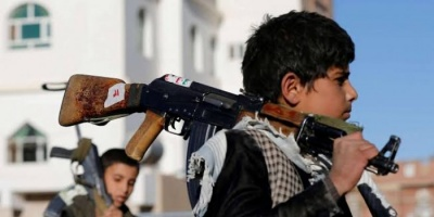 """محاربة التحالف لتجنيد الأطفال.. جهود عظيمة لغسل """"الإرهاب الحوثي"""""""