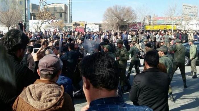 شاهد.. احتجاجات في بلوشستان ضد النظام الإيراني