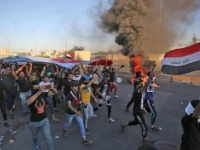 صحفي يُعلن تبرعه بنصف راتبه لعلاج جرحى ثوار العراق