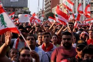 سياسي لبناني: رؤساء الحكومات السابقين شاركوا في وضعنا الحالي