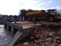 الإمارات تتجاهل بذاءات الإصلاح وتخفف أضرار السيول في سقطرى