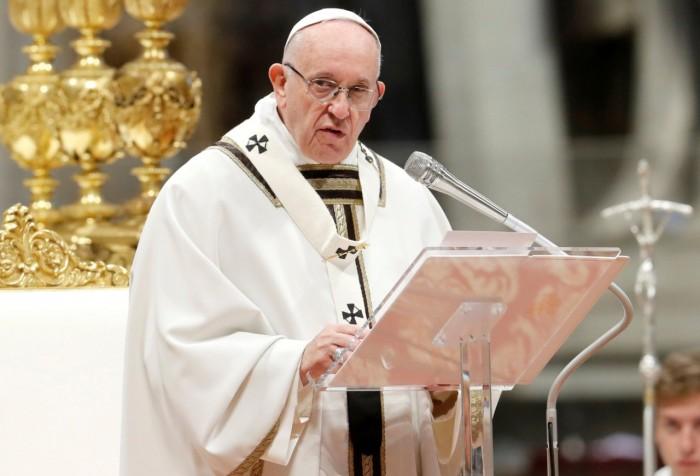 البابا فرنسيس يعين كردينالا فلبينيا فى منصب عالمى بالفاتيكان
