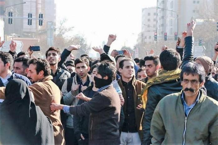 """مجددا.. """"انتفاضة الفقراء"""" الثانية على أعتاب إيران"""