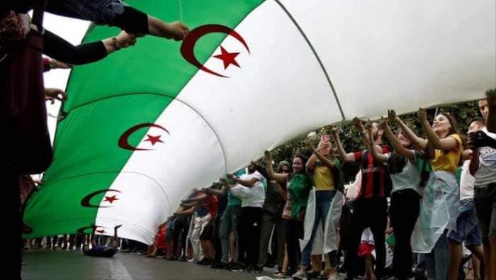 لاختيار الرئيس الثامن.. الصمت الانتخابي بالجزائر يدخل حيز التنفيذ