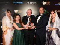 الإماراتيون يحتفلون بفوز أبو ظبي بجائزة الوجهة الرائدة للسياحة الرياضية العالمية