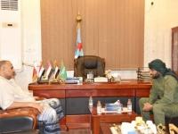 الزُبيدي يشدد بضرورة عدم التساهل مع مثيري الفوضى في العاصمة عدن